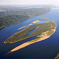 ОСТРОВ СЕРЕДЫШ. Находится в пойме реки Волга, напротив Бахиловой Поляны. Сформировался в середине XIX века.